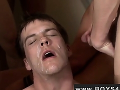 Hot twink Avery is your norm California boy... Blue eyes,