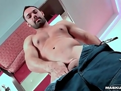 Hot downer body vulnerable solo guy with a beard
